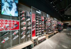 Спортивне взуття та одяг